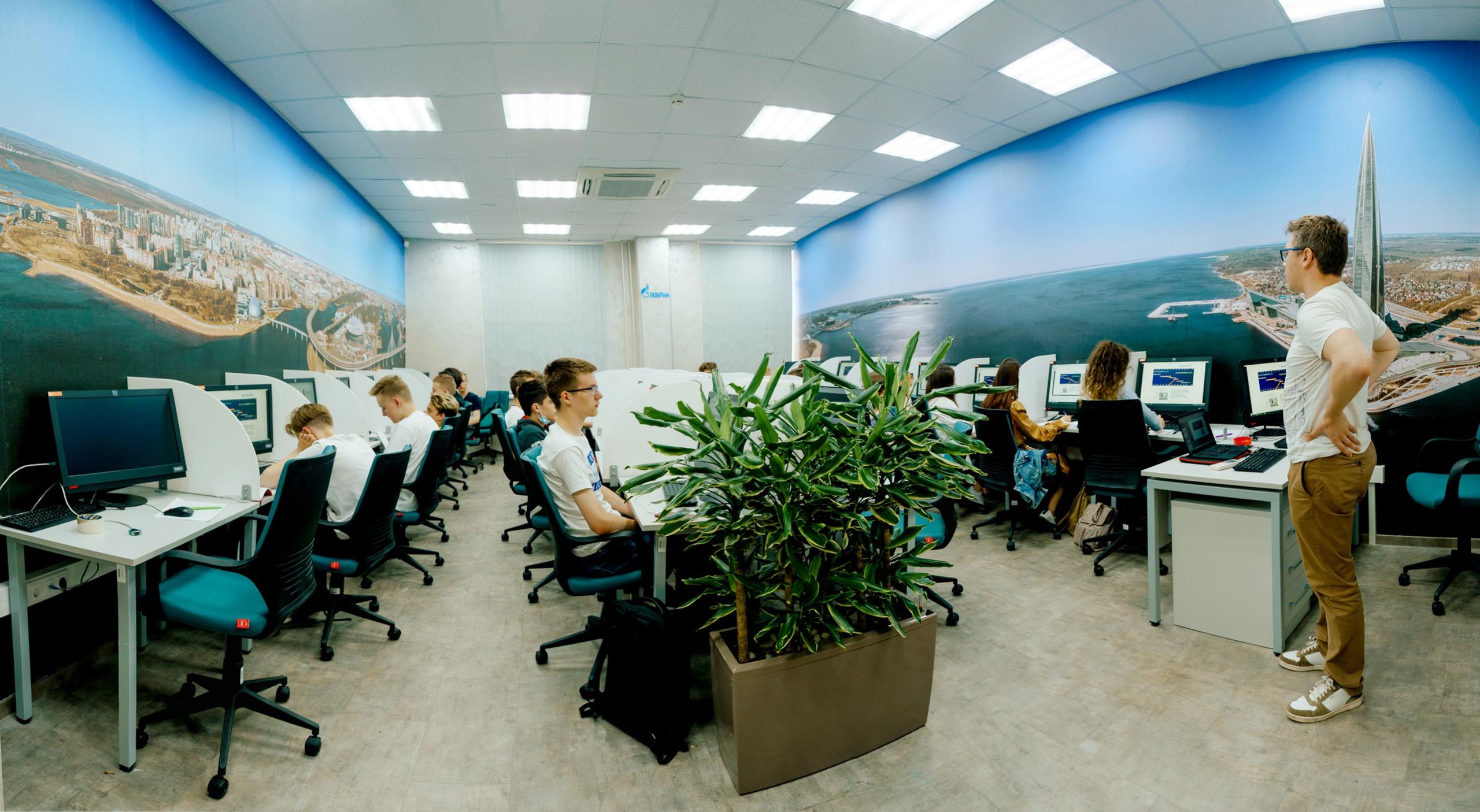 В Политехе открылась именная аудитория компании Газпром