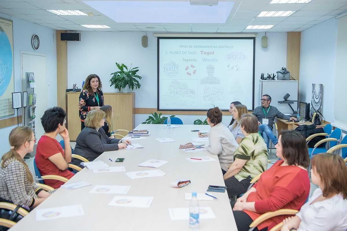 В рамках программы испанские студенты будут изучать русский язык, а студенты из России – испанский