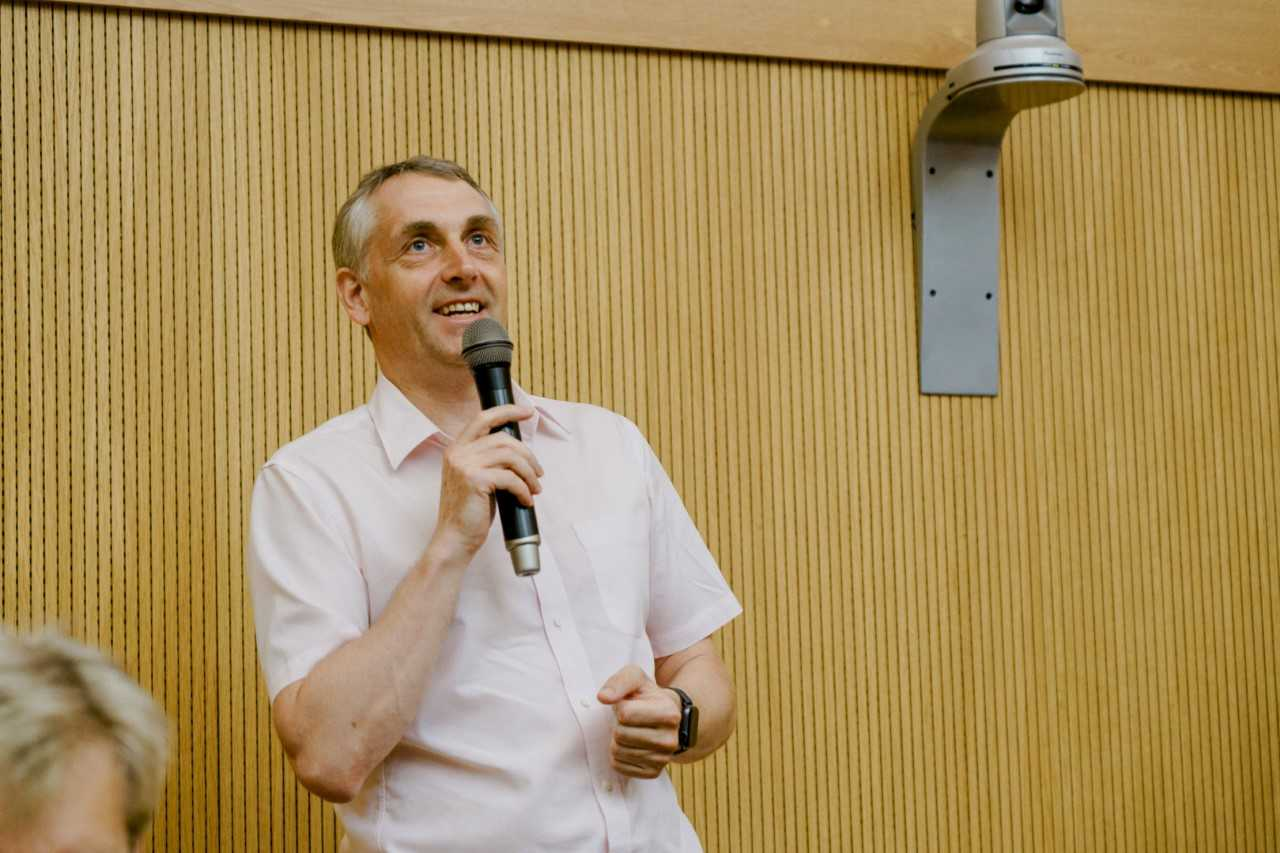 Проректор по науке Виталий Сергеев выступил на открытии с приветственным словом