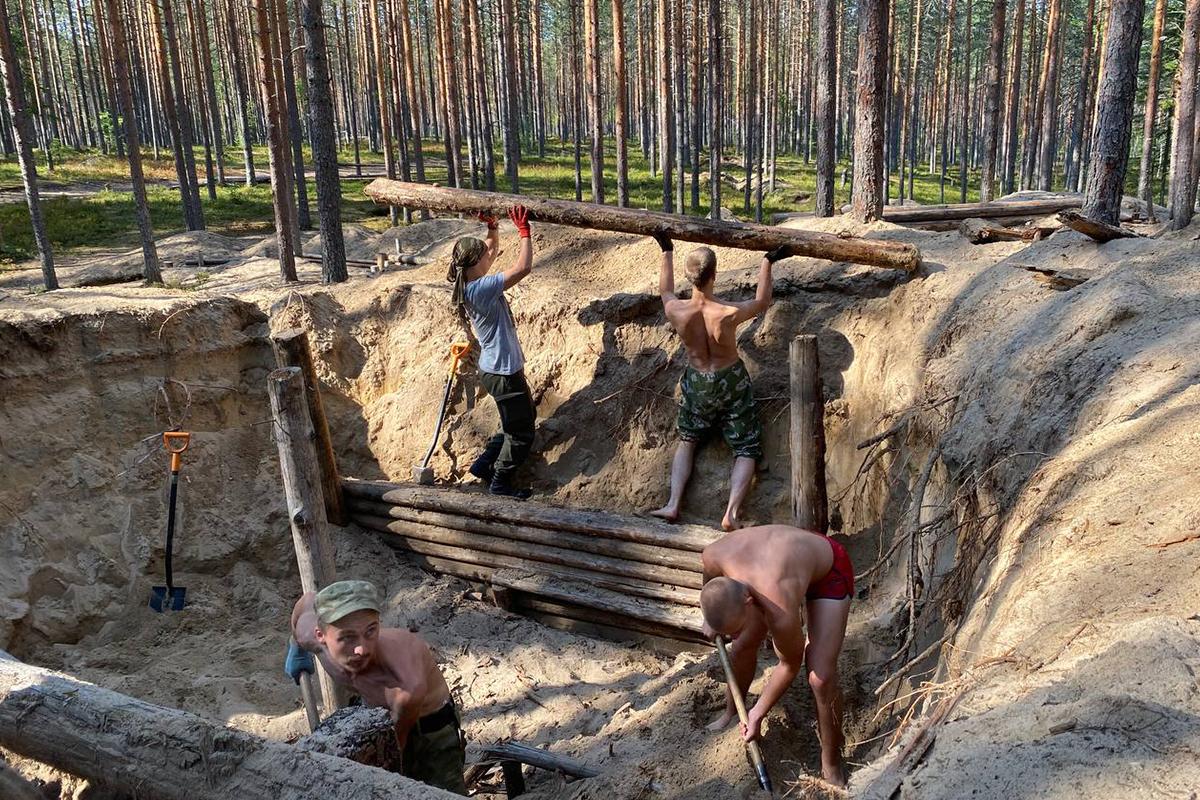 Участники ВИК «Наш Политех» приняли участие в строительстве блиндажа для интерактивного музея