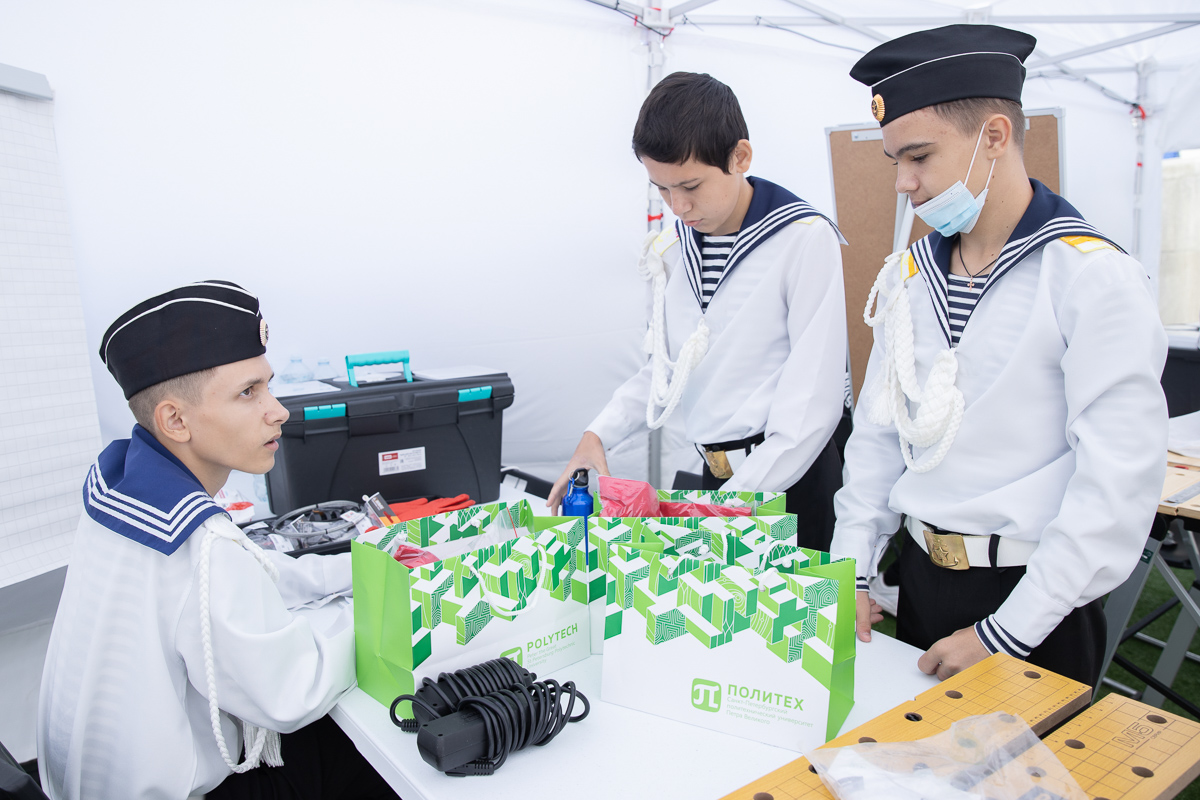 На соревнования в Питер приехали кадеты из Казани
