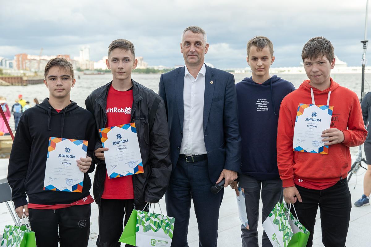 Виталий Сергеев с победителями