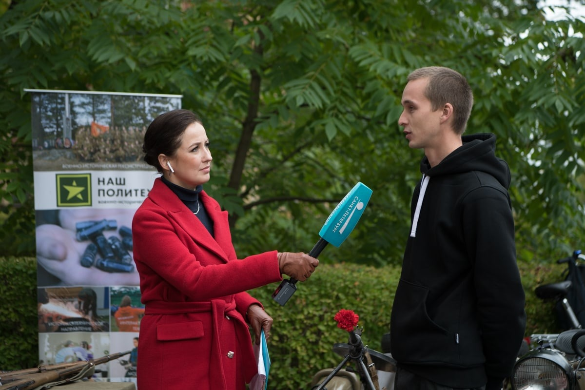 Телеканал «Санкт-Петербург» провел прямое включение из Политеха: корреспондент Мария Новикова-Охонская и Артем Соловьев