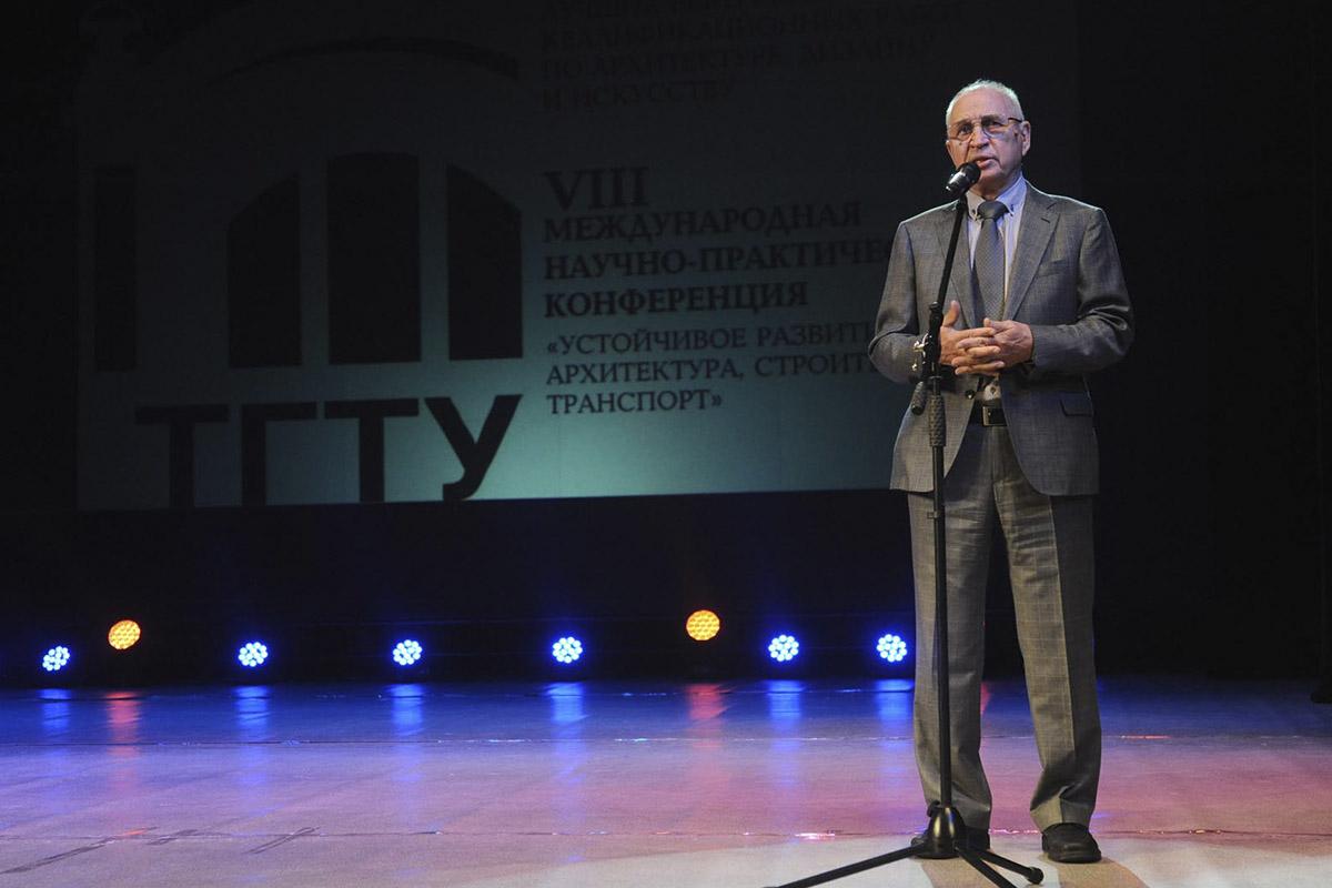 Выступление заместителя председателя совета МООСАО Валерия Аурова