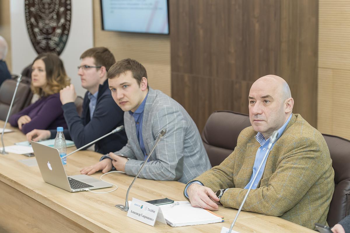 В роли экспертов выступили представители промышленных и инновационных компаний, венчурных фондов и бизнес-инкубаторов