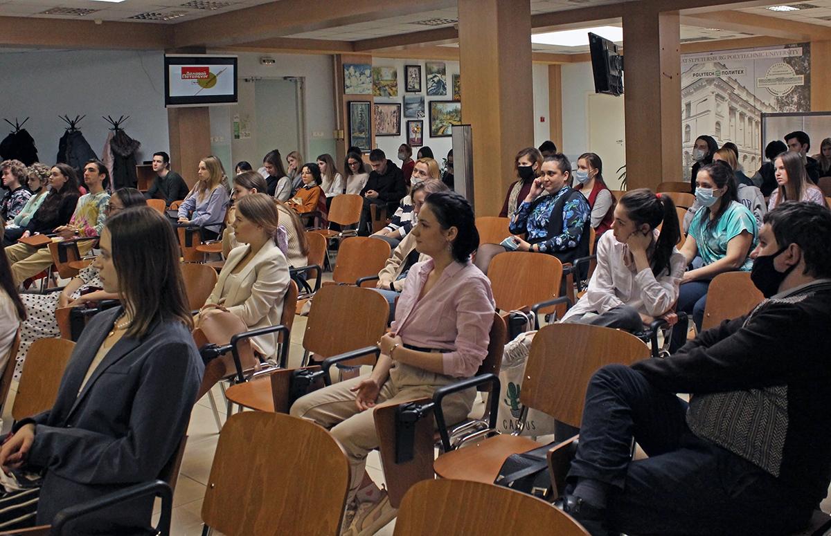 Лекция Игоря Павловского вызвала неподдельный интерес у студентов и оживленную дискуссию