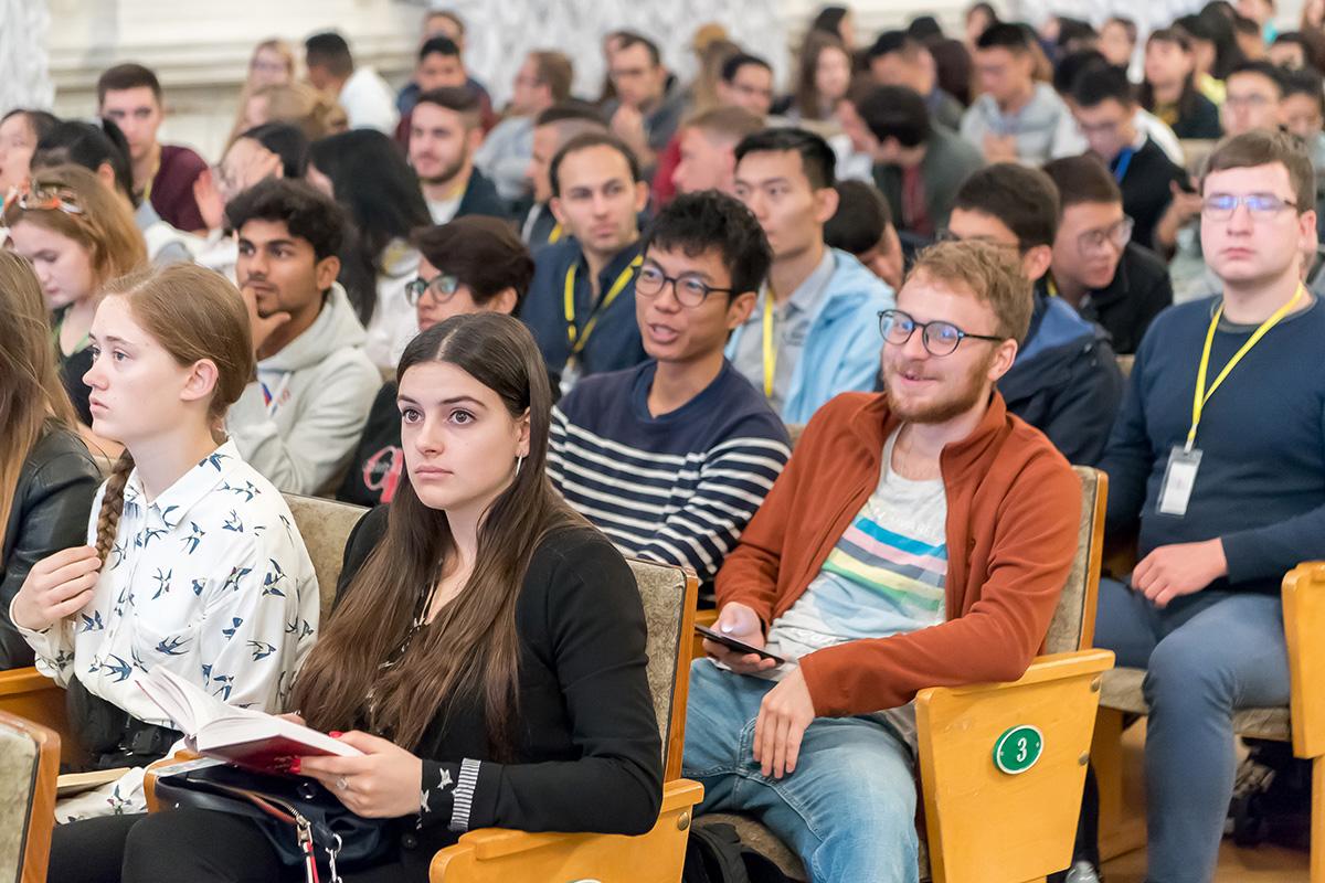 Торжественную церемонию открытия Международной политехнической летней школы посетили порядка 500 российских и иностранных студентов