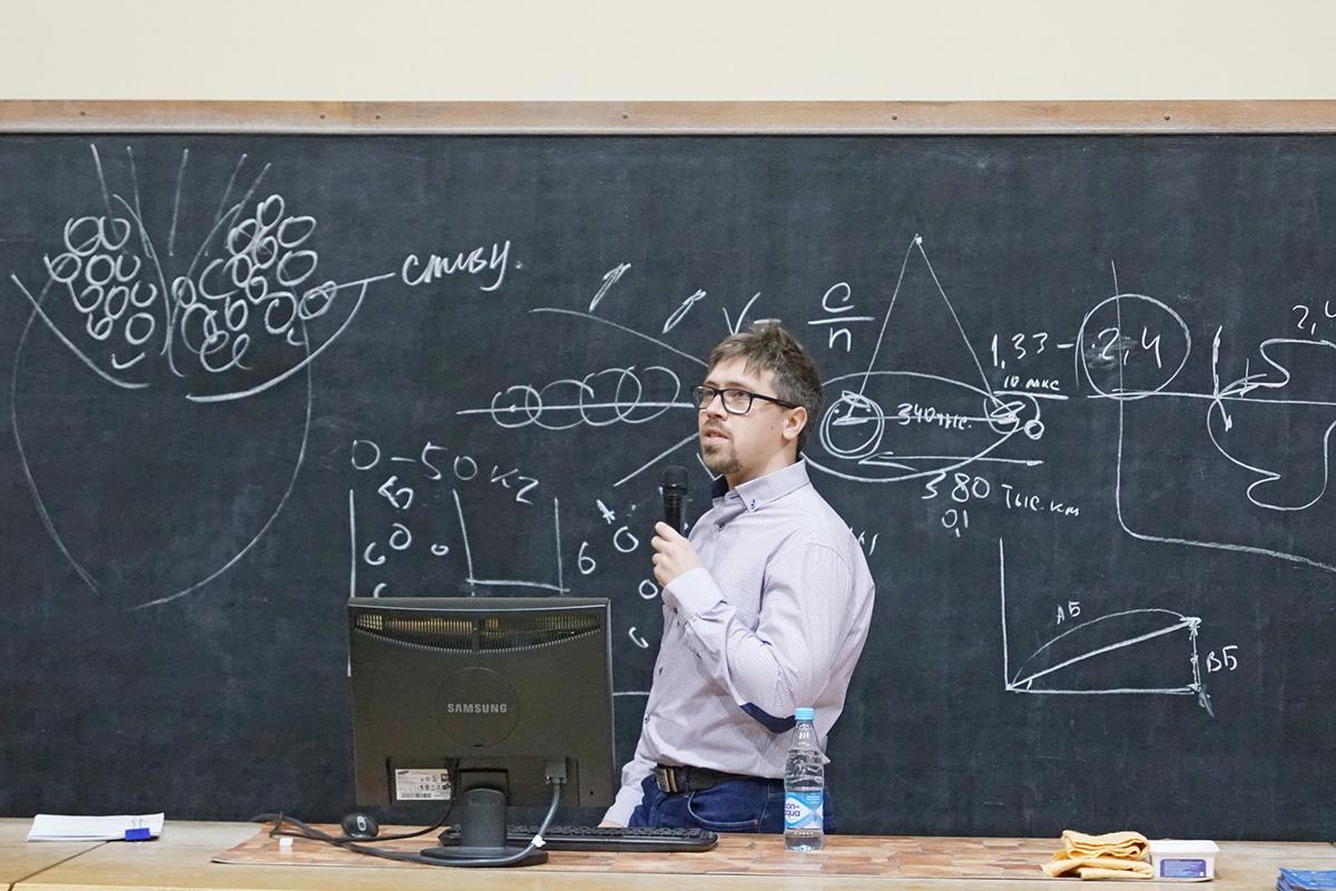 После «Лабы» началась лекция Андрея МУРАЧЕВА