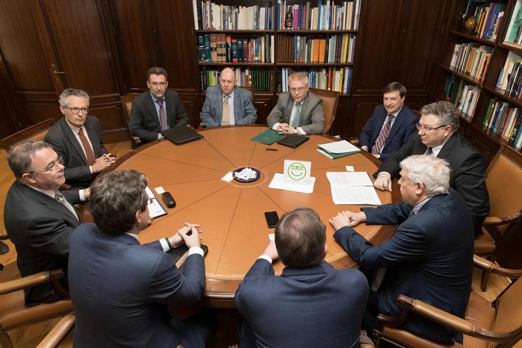 На встрече с российской делегацией ректор МПУ Гуилермо Циснерос выразил надежду на реализацию совместных крупных проектов в области науки и образования