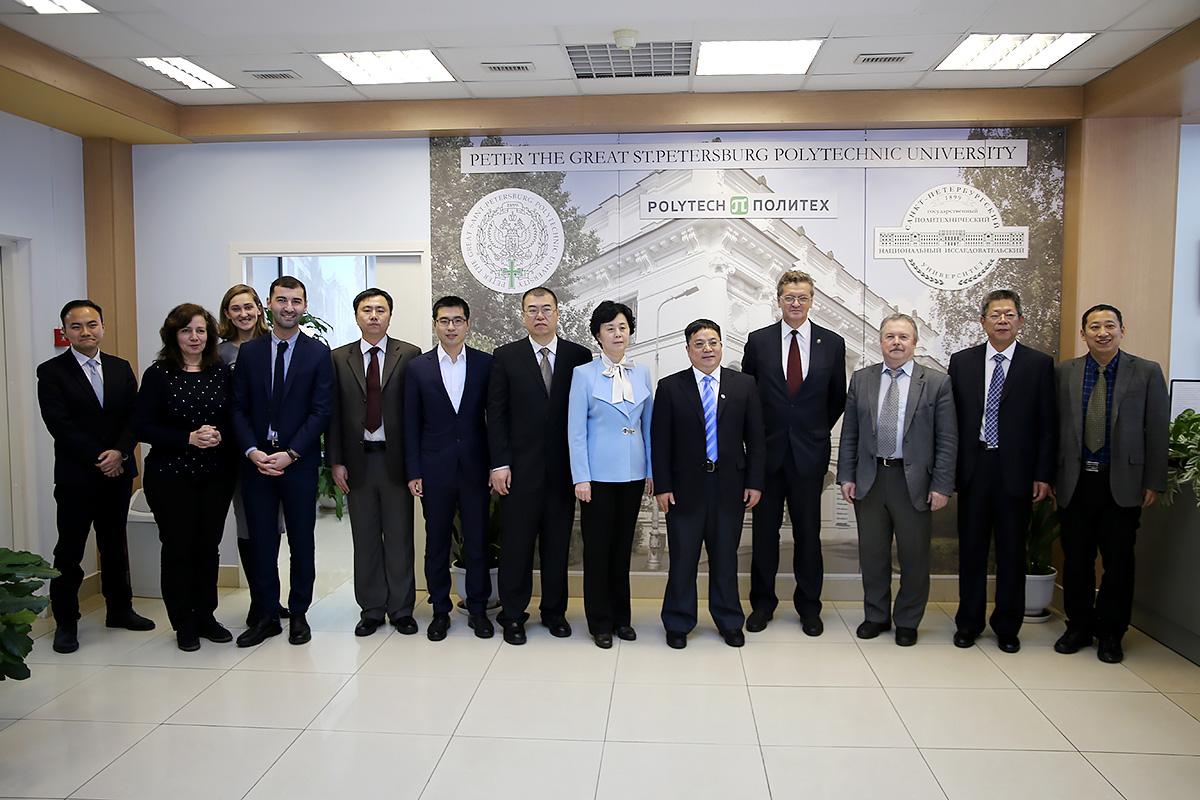 СПбПУ посетила делегация Харбинского инженерного университета (HEU)