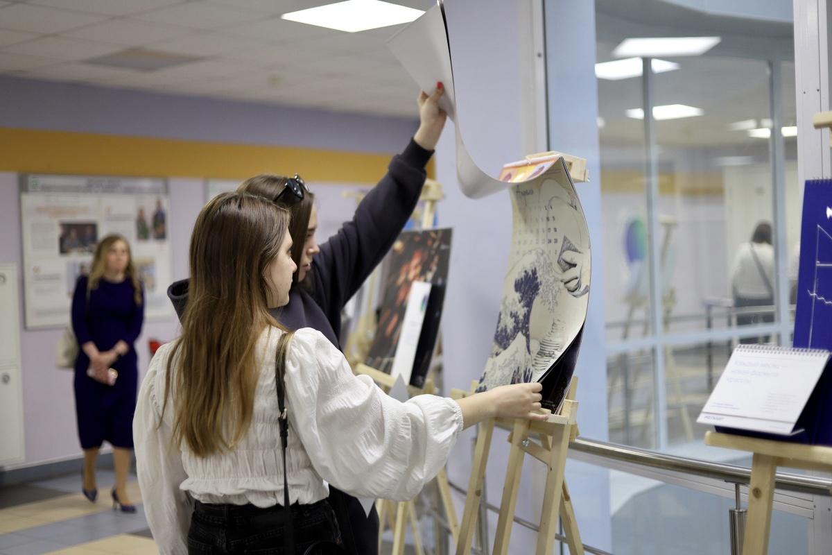 В Политехе открылась выставка работ участников Всероссийского конкурса «Корпоративный календарь-2021»