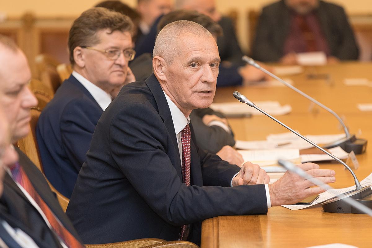 Перед членами Ученого совета выступил Н.И. Ватин