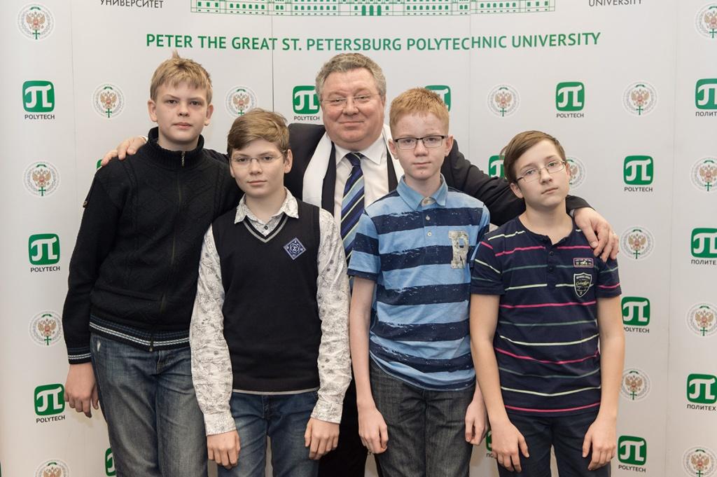 Ректор СПбПУ А.И. Рудской встретился с одаренными школьниками