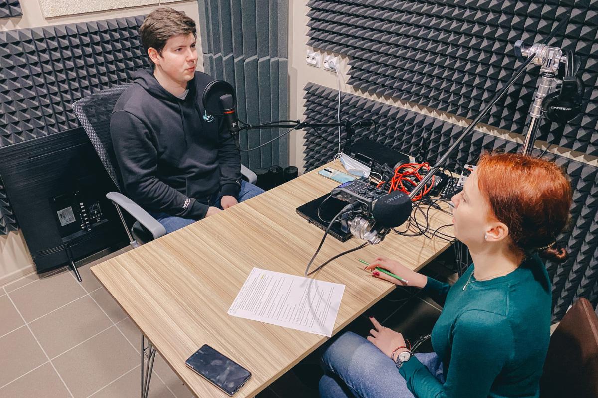 Илья Лавренюк рассказал о космической связи