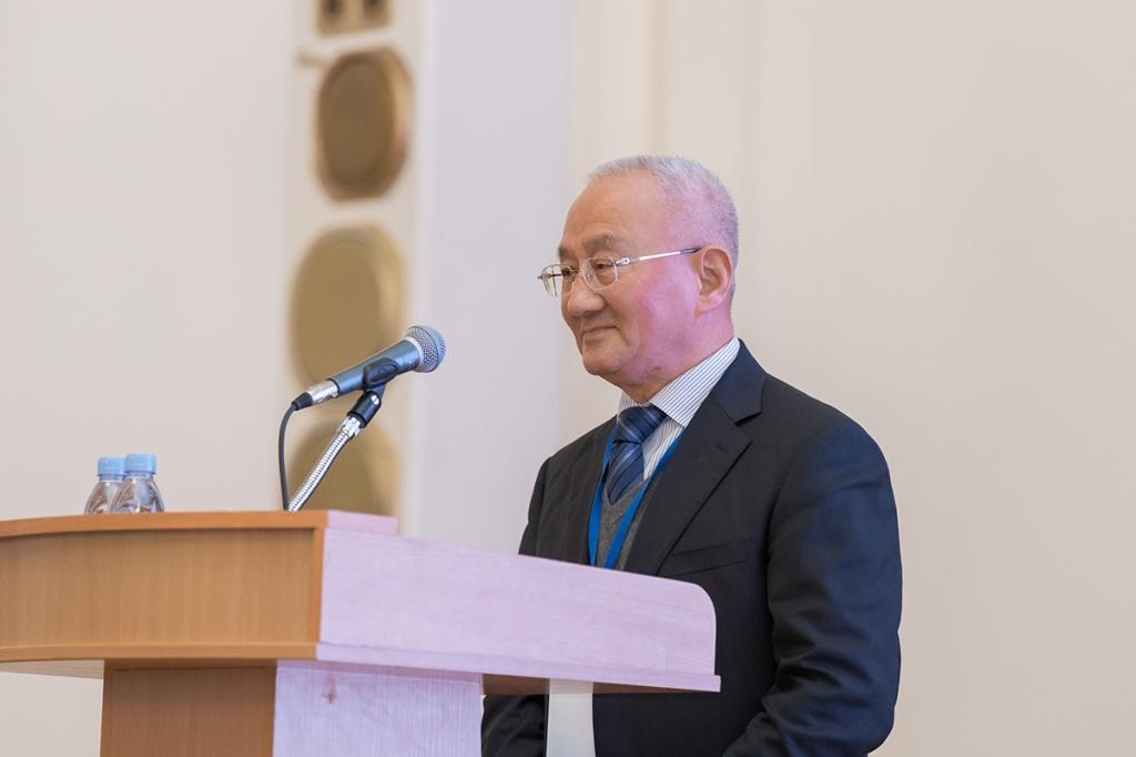 Перед участниками и гостями форума выступил член Китайской академии инженерных наук Сюэ Юшенг