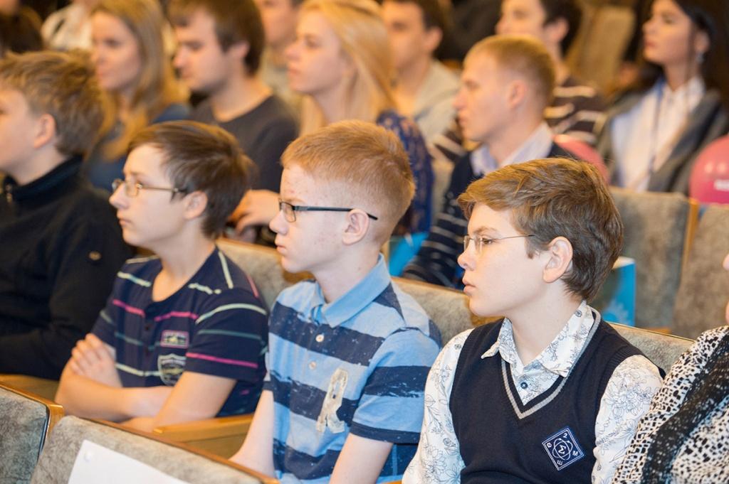 Одаренные школьники приняли участие в Форуме Политехническая неделя в Санкт-Петербурге