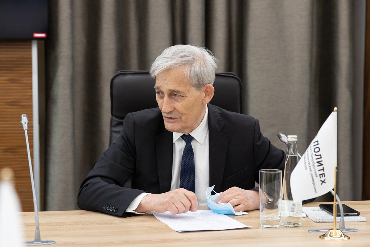 Директором и координатором проекта стал советник директора Фонда содействия инновациям Иван БОРТНИК