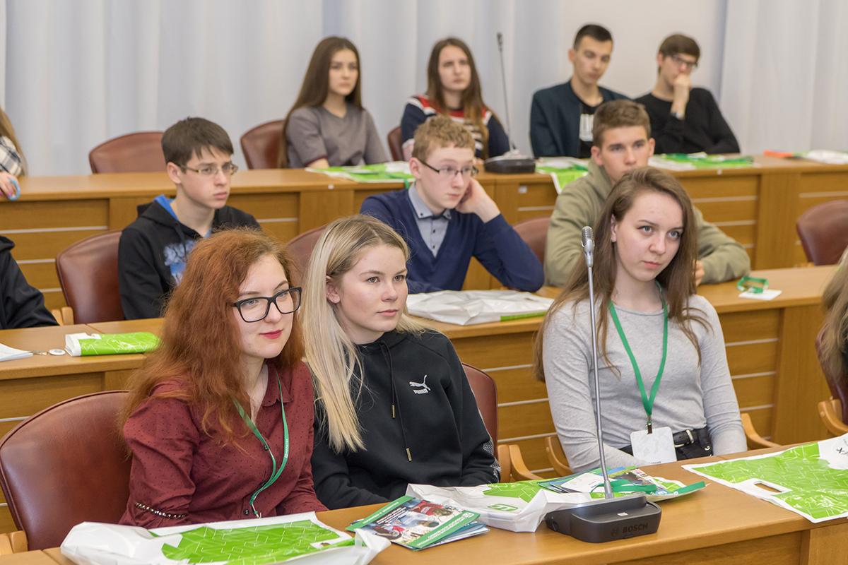 Школьники познакомились в деятельностью инженеров