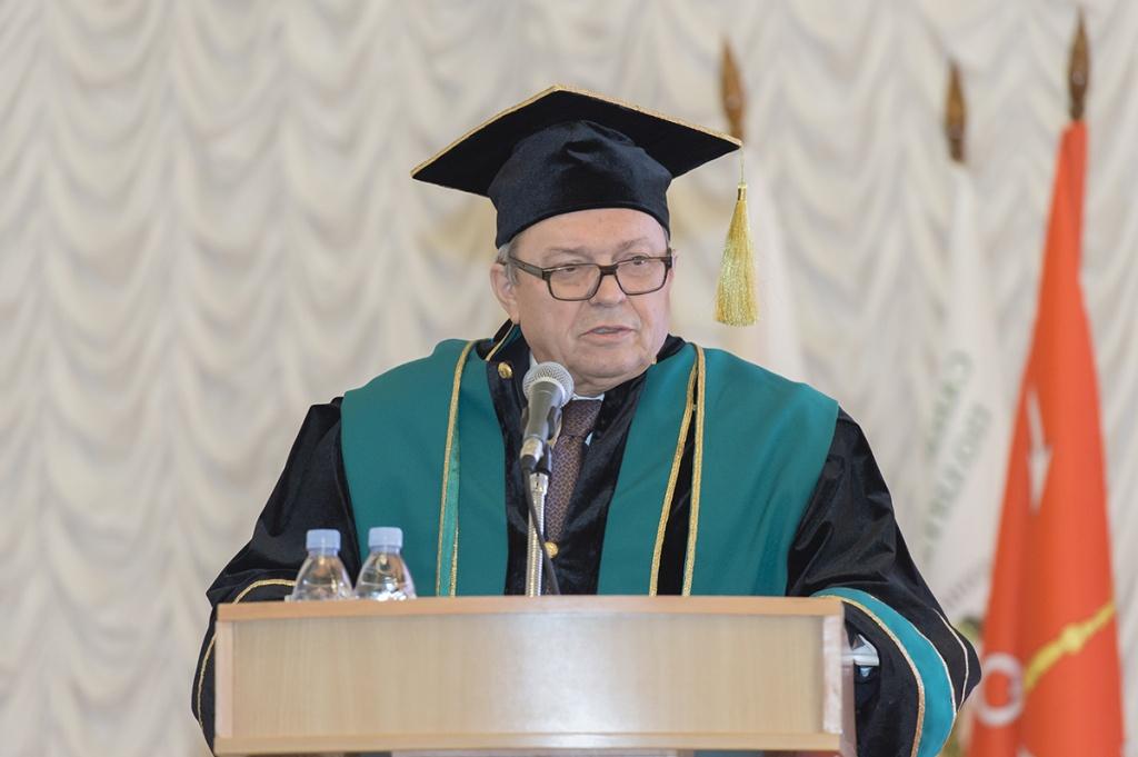 Лекция В.Я. Панченко была посвящена роли фундаментальной науки в реализации Стратегии научно-технологического развития РФ