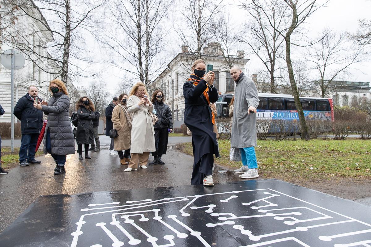 """Современное искусство в Политехе: на территории кампуса прошел пресс-тур """"Art Weekend"""""""