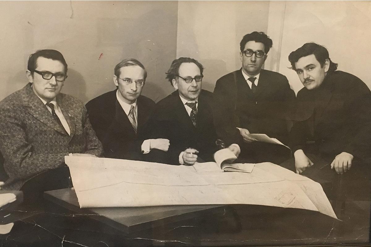 Лаборатория, в которой Леонид Абрамович работал в «Механобре», состояла из политеховцев