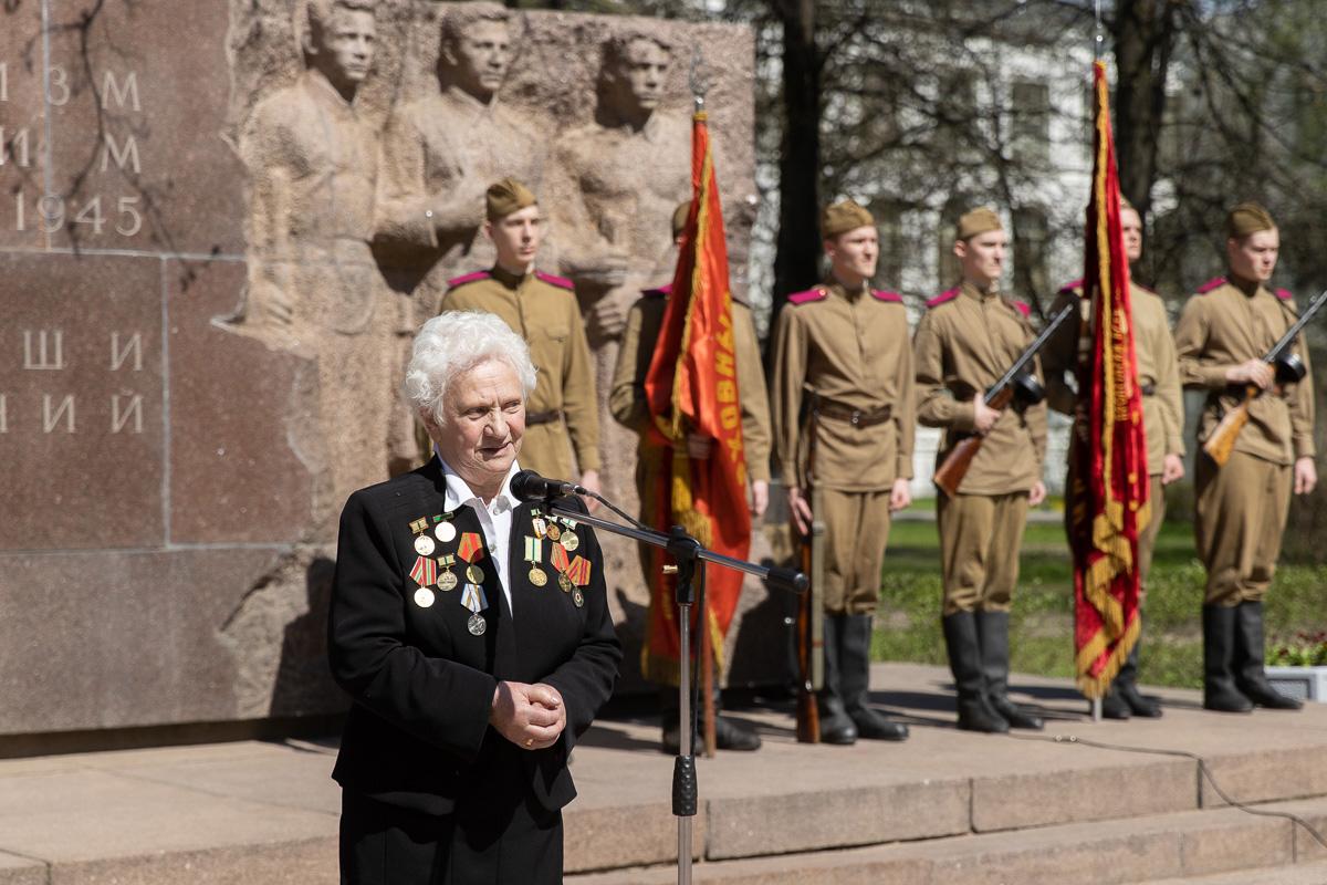 Зинаида Матвеевна ФИЛИНА поздравила всех с праздником
