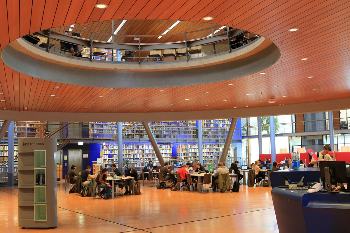 В Нидерландах большое внимание уделяется организации современного пространства библиотеки