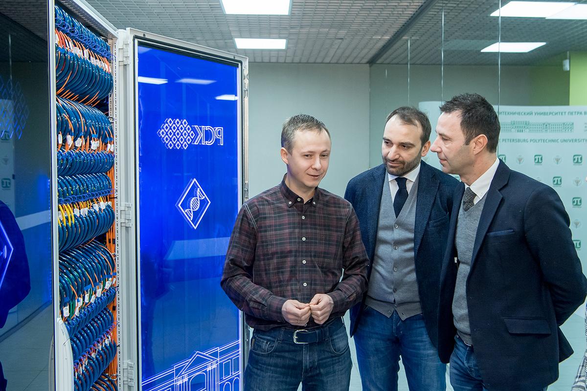Гости посетили Суперкомпьютерный центр «Политехнический»