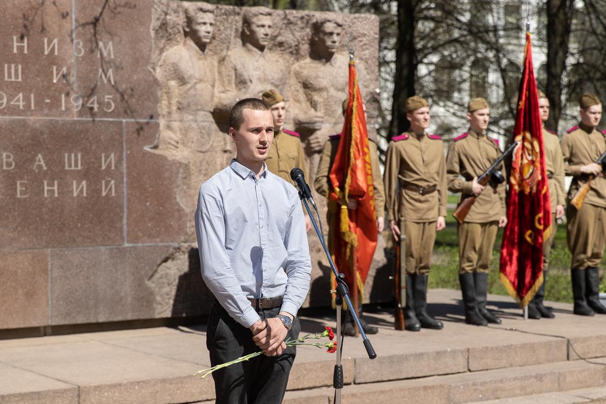 От лица молодого поколения выступил директор Центра патриотического воспитания Артем СОЛОВЬЕВ