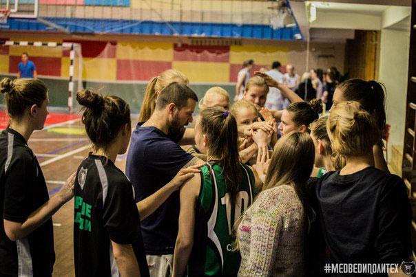 Черные медведи на Матче звезд Ассоциации студенческого баскетбола