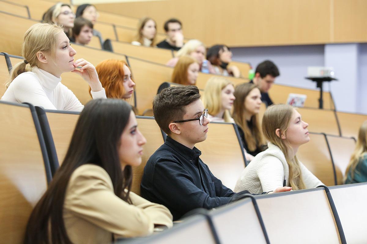 Образовательный курс «Школа коммуникаций в энергетике» разработан для студентов и магистрантов направления подготовки «Реклама и связи с общественностью»