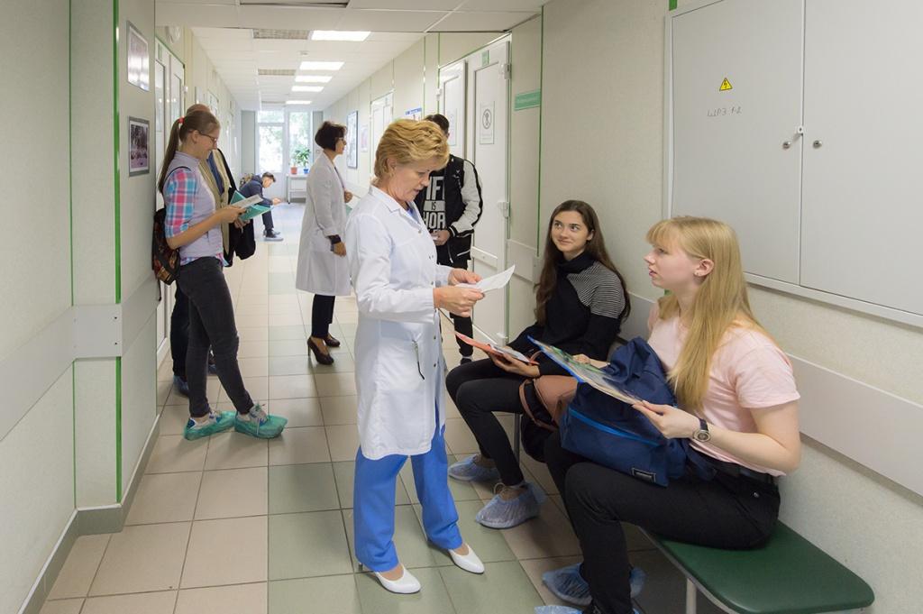 porevo-suchek-zhenskie-medosmotri-u-ginekologa-video-horosho-oblizivayut