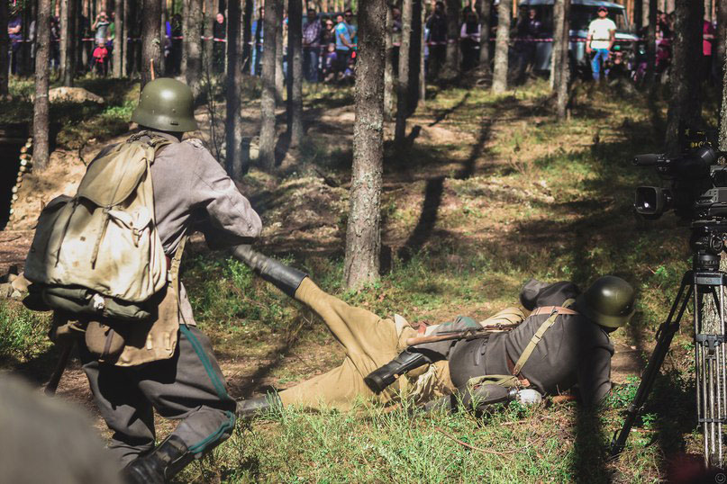 С каждым годом мероприятие привлекает все большее количество гостей, в том числе за счет зрелищной военно-исторической реконструкции