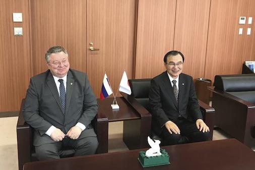 Ректор СПбПУ во время встречи с президентом Университета Чиба Такеши Токухисой