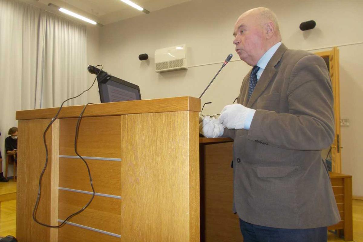 Заместитель председателя Санкт-Петербургского отделения МАН ВШ профессор В. Н. Козлов
